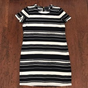 Dresses & Skirts - Adrienne vittadini dress size 4
